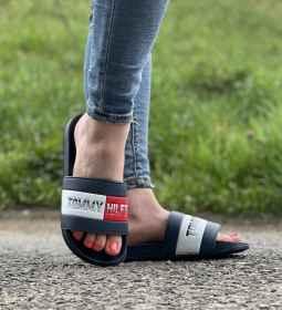 Tommy Hilfiger papucs