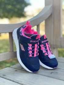 Skechers vízálló lány cipő